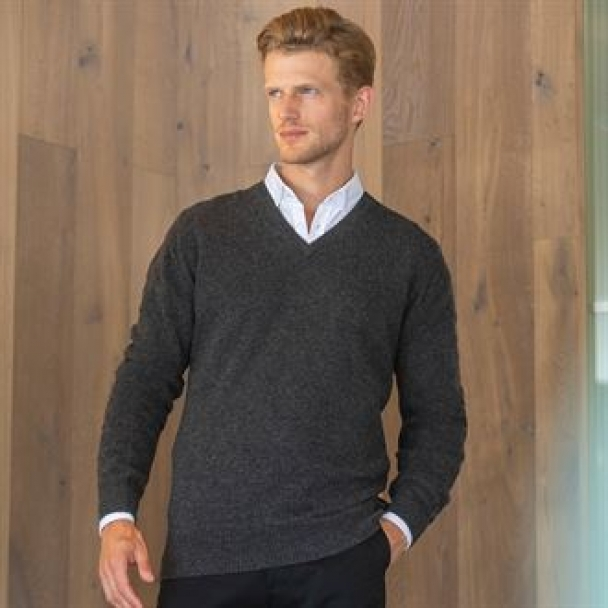 Lambswool v-neck jumper